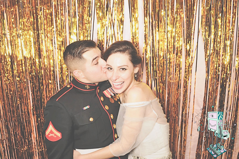 12-20-14 DD Atlanta Wheeler House PhotoBooth - Lujano Wedding - RobotBooth20141220_484-L